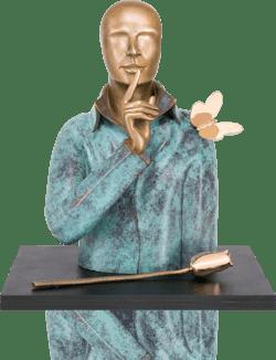 Bronzefigur Silence von Andrea Bucci