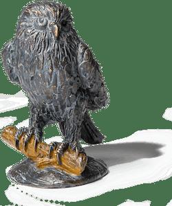 Bronzefigur Eule auf Zweig von Atelier Strassacker
