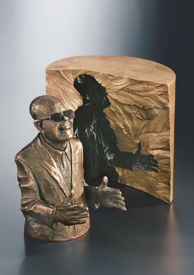 Bronzefigur Der Schwätzer von Guido Messer