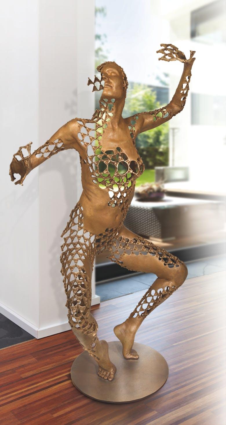 Bronzefigur Dynamic Equilibrium von Sukhi Barber