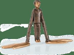Bronzefigur Mani grandi von Ivan Lardschneider