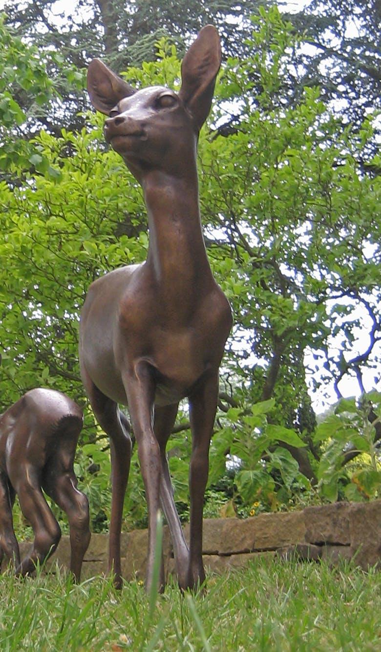 Bronzefigur Ricke von Helmut Diller