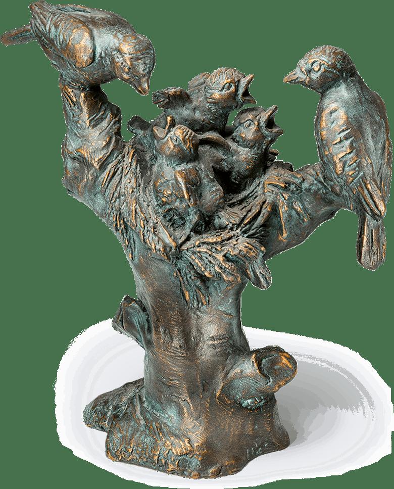 Bronzefigur »Vogelnest auf Baumstumpf« aus dem Atelier Strassacker