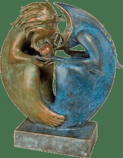 Bronzefigur Sun & Moon von Fidelma Massey