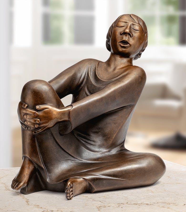Bronzefigur »Der singende Mann« von Ernst Barlach