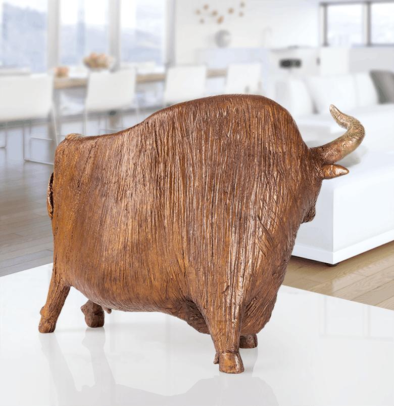 Bronzefigur Stier von David Laugomer