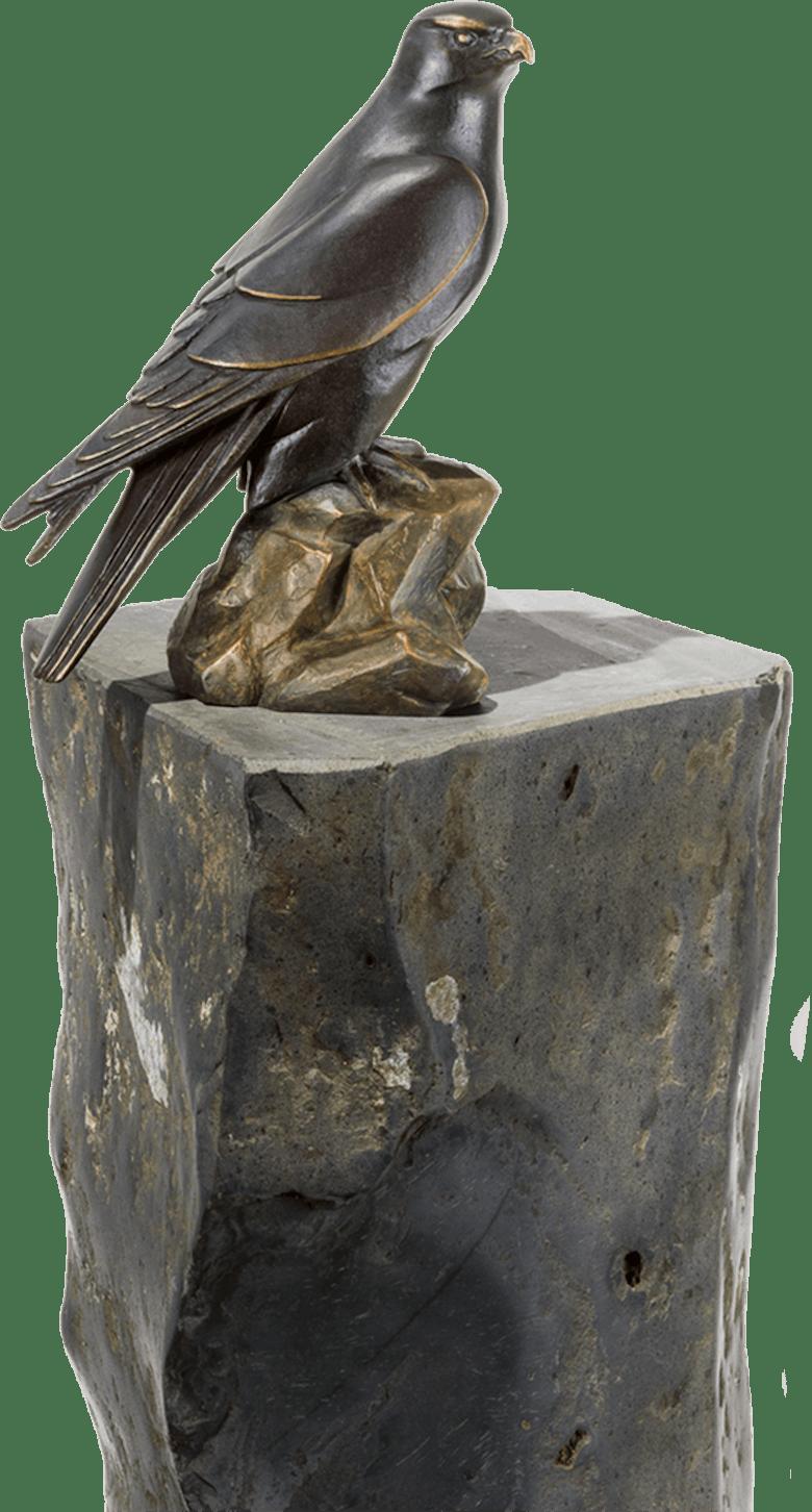 Bronzefigur Weiblicher Gerfalke von Atelier Strassacker