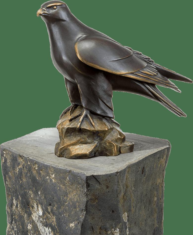 Bronzefigur Männlicher Gerfalke von Atelier Strassacker