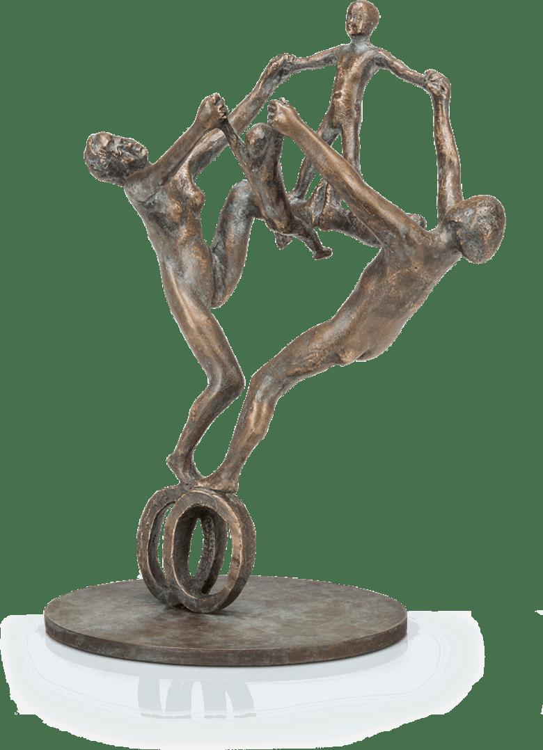 Bronzefigur Familie auf Rädern von Adelbert Heil