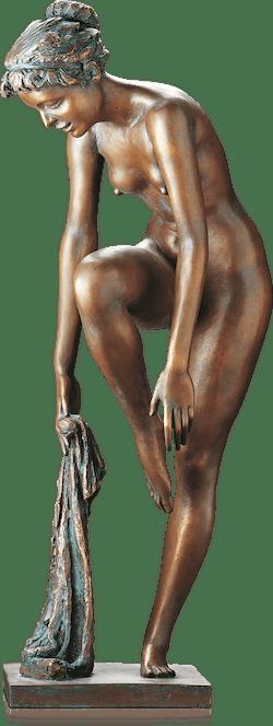 Bronzefigur Nach dem Bade von Erwin A. Schinzel