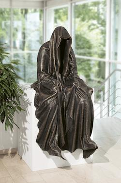 Bronzefigur Kantenhocker (braun) von Manfred Kielnhofer