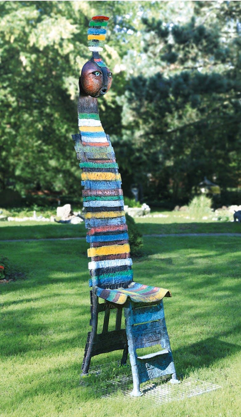 Bronzefigur Stuhl von Bettina  Scholl-Sabbatini
