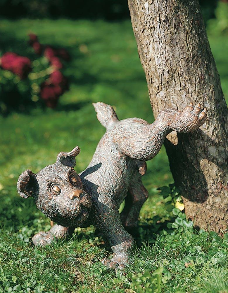Bronzefigur Gassi von Atelier Strassacker