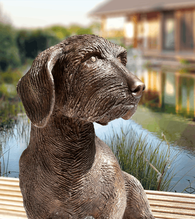 Bronzefigur Dackel Frodo von Günther Stimpfl