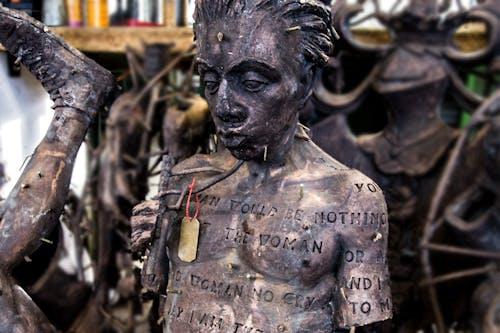 Herstellung-Bronzeskulptur-Rohguss