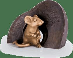 Bronzefigur Maus, sitzend von Atelier Strassacker