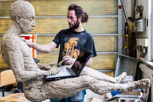 Herstellung-Bronzeskulptur-Modellerstellung