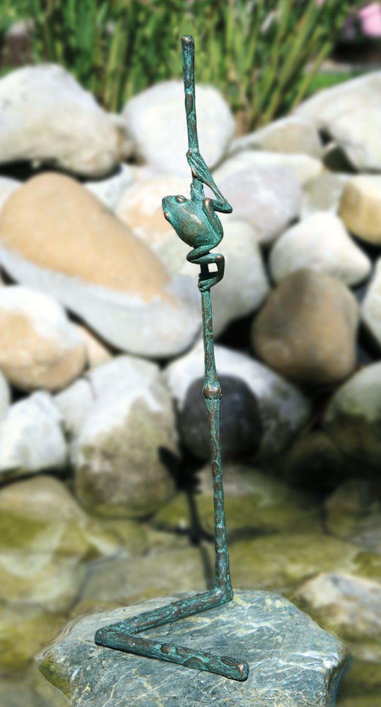 Bronzefigur Halm mit Fröschlein von Atelier Strassacker