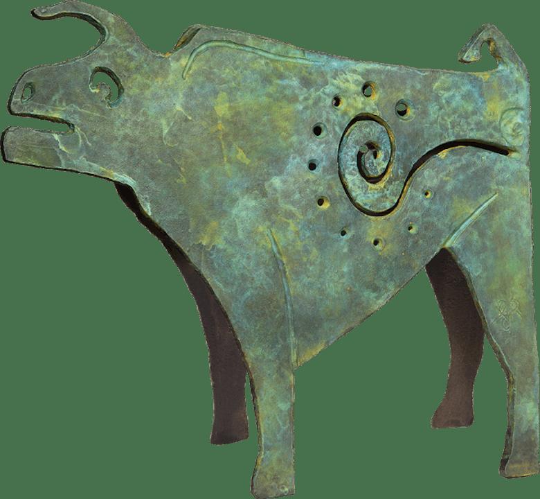 Bronzefigur Ur, grün von Guido Häfner