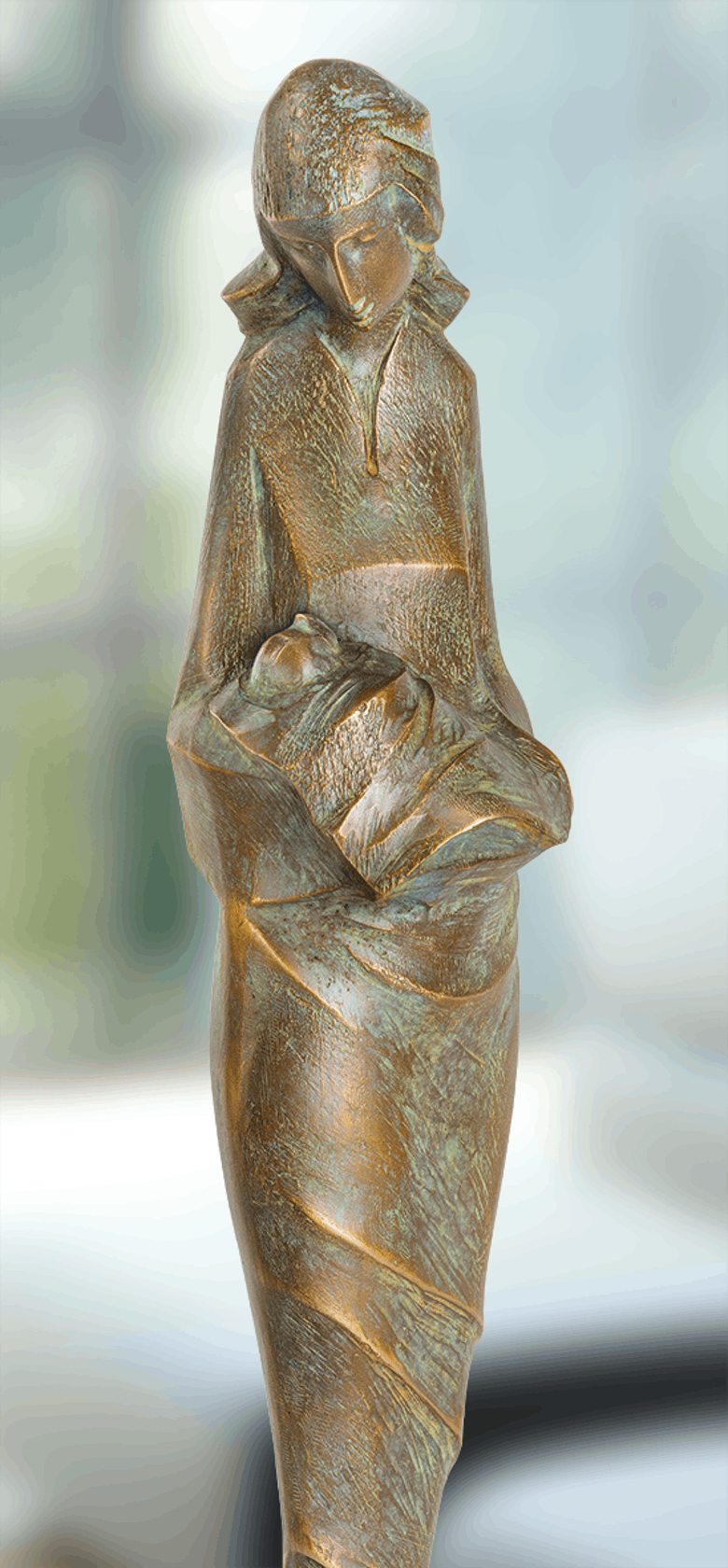 Bronzeskulptur-Mutter-mit-Kind